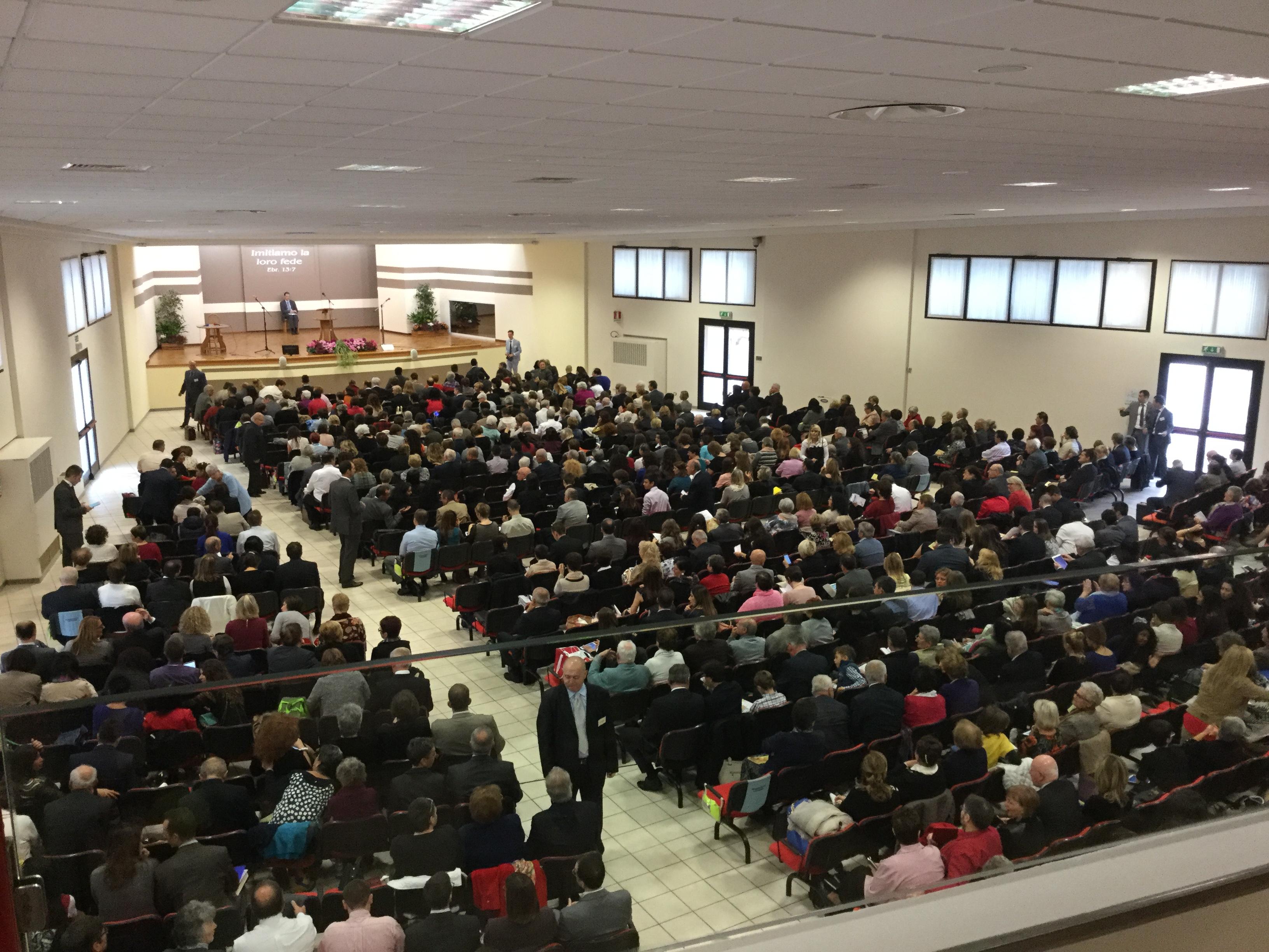 """Assemblea dei Testimoni di Geova dal tema """"Continuiamo ad amare Geova"""" in programma per Domenica 16 Ottobre 2016"""