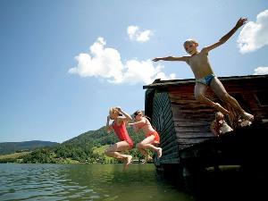 Vacanza estiva sulle Alpi Bavaresi, paradiso per bagnanti
