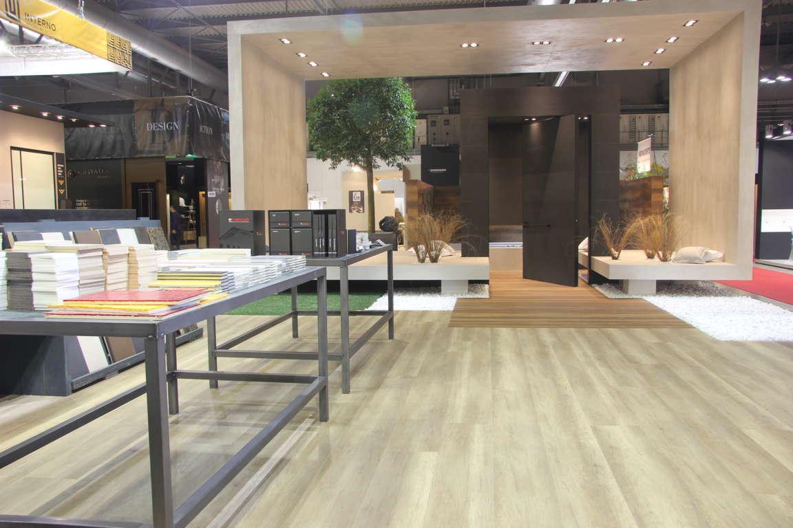 Oikos espone nel gotha dell interior design e del for Architetti arredatori