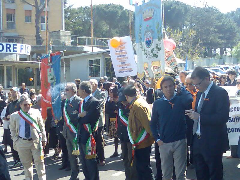 Migliaia di cittadini in corteo a difesa dell'Ospedale di Bracciano