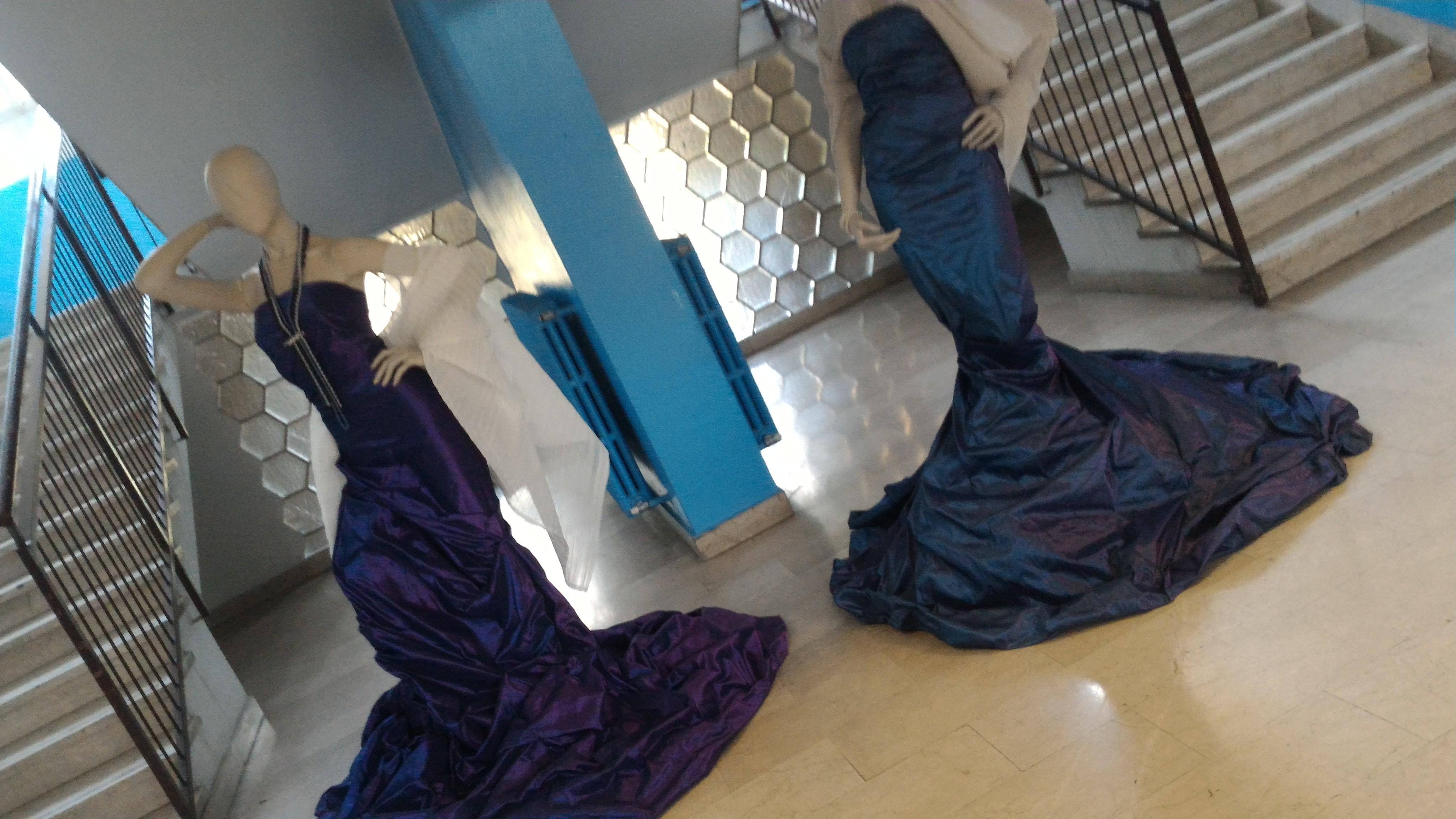 """L' Istituto Istruzione Superiore """"Marelli Dudovich"""" Milano, indirizzo Moda, propone dei laboratori didattici moda per la Milano Fashion Week dal 21 al 26 settembre 2016. Shooting dei capi realizzati ed allestimento di una mostra """"Urban-dress code"""""""