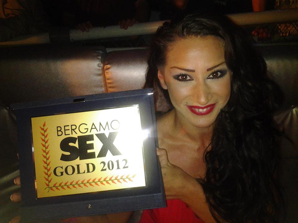 Martina Gold premiata come miglior artista emergente al Bergamo Sex