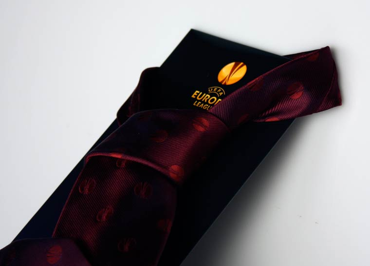 Una cravatta personalizzata… da finale europea!