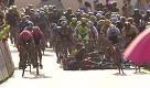 Giro Polonia, effetto domino: Ewan cade e trascina giù tutti - La Repubblica