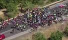 Maxi caduta alla Vuelta. E Nibali resta senza bici... - La Repubblica
