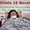 La protesta dei malati di Sla davanti al ministero: Servono più risorse